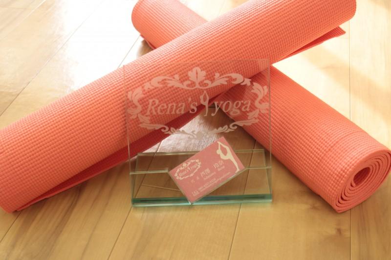 Rena's yoga代表 芦澤玲奈です
